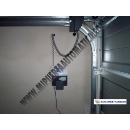 Motor lateral puerta seccional novoport puerta seccional for Motor puerta seccional